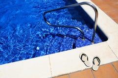 池游泳 免版税库存图片