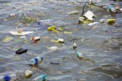 污染水 库存照片