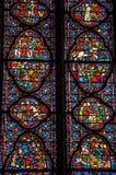 污迹玻璃窗细节在哥特式Sainte-Chapelle教会的在巴黎 免版税库存图片