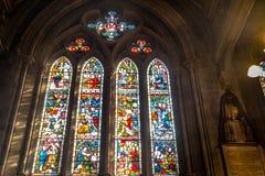 污迹玻璃窗说明了在圣玛丽方丈教会,肯辛顿的圣经故事 免版税库存图片
