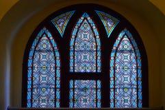 污迹玻璃窗-内部maisel犹太教堂,布拉格,捷克共和国 免版税库存照片
