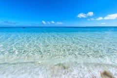 汤加波里尼西亚天堂水晶水 库存图片