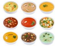 汤汤的汇集在碗蕃茄菜面条孤立的 库存照片