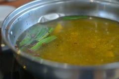 汤热的罐 库存照片