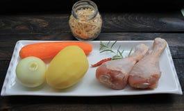 汤的成份从与鸡的自创面条 库存图片