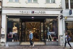汤米・席尔菲格商店在布鲁日,比利时 库存照片