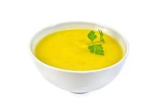 汤纯汁浓汤南瓜用在白色碗的荷兰芹 免版税库存照片