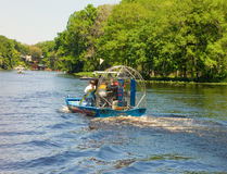 汽船乘驾在一个晴天在佛罗里达 免版税库存图片