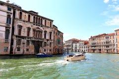 汽船在大运河 意大利威尼斯 库存图片