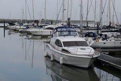 汽船在Malahide小游艇船坞都伯林爱尔兰 库存照片