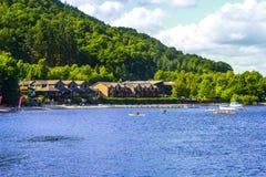 汽船的人们在Loch Lomond湖在苏格兰, 2016年7月21日, 库存图片