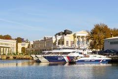 汽艇在索契海口,俄罗斯 免版税图库摄影
