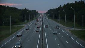 汽车交通在繁忙的高速公路基础设施的