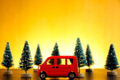 汽车停放在日落 免版税库存图片