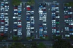汽车停车处鸟瞰图  免版税库存照片