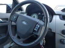 汽车内部指点运输轮子 免版税库存照片
