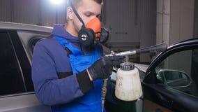 汽车内部清洁概念 一个人清洗汽车与化学制品 影视素材