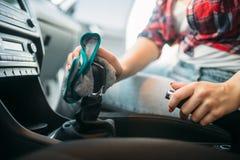 汽车内部的湿清洁在洗车的 免版税图库摄影