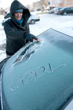 汽车冬天妇女 图库摄影