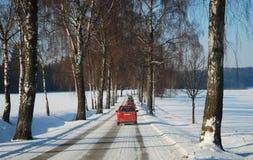 汽车冬天路 库存图片