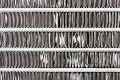 汽车冷凝器或冷却空气情况零件在汽车 免版税库存照片