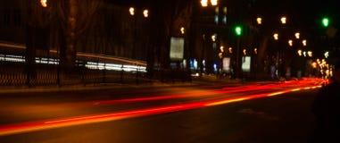 汽车前灯夜踪影  Freezelight 夜Kyiv 基辅 库存照片
