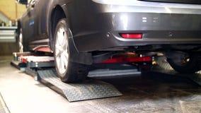 汽车剪调低在自动服务的推力 影视素材