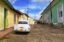 汽车古巴街道特立尼达 免版税库存图片