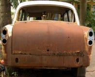 汽车后方生锈的视图 免版税库存图片