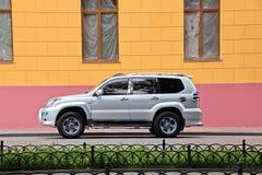 汽车和他们各种各样的零件特写镜头在傲德萨,乌克兰街道上  免版税图库摄影