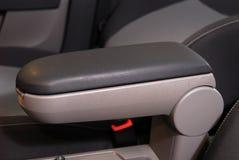 汽车和手煞车的扶手 免版税库存照片