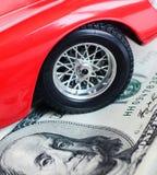 汽车和货币 免版税库存照片