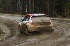 汽车品牌的没有的Subaru Impreza WRX未知的竟赛者 2 overco 库存照片