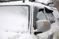 汽车在冬天 免版税库存图片