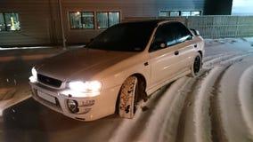 汽车在夜,冬天 免版税图库摄影