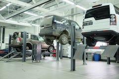 汽车在车修理中心在莫斯科 免版税库存照片