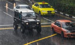 汽车在雨中 免版税库存图片
