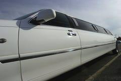 汽车大型高级轿车舒展婚礼 免版税库存图片