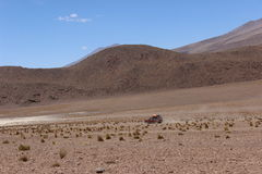 汽车山沙漠bolÃvia 库存照片