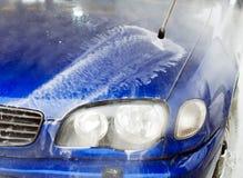 汽车干净的水管设备海绵洗涤 库存照片