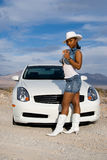 汽车性感的妇女 免版税库存图片