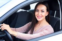 汽车愉快的新所有者 免版税图库摄影