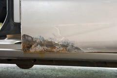 汽车或汽车修理、金属铁锈和削皮油漆 免版税库存照片