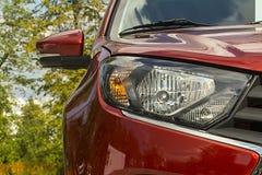 汽车接近的车灯撤消信号终止轮 免版税图库摄影
