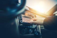 汽车收音机听 免版税库存图片