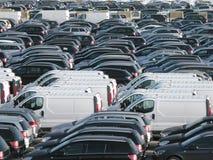 汽车新的停放的端口 免版税库存照片