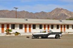 汽车旅馆在沿路线66的莫哈维沙漠 库存照片