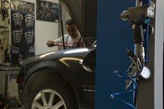 汽车服务和维护 图库摄影