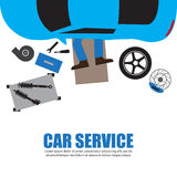 汽车服务,汽车机械师,修理在Automobil下的汽车修理师 免版税库存图片