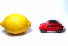 汽车柠檬与 库存照片